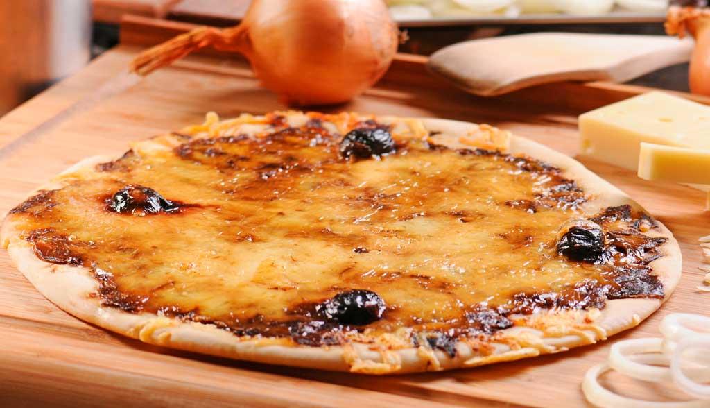Pizza façon pissaladière La Borie Bio horizontale