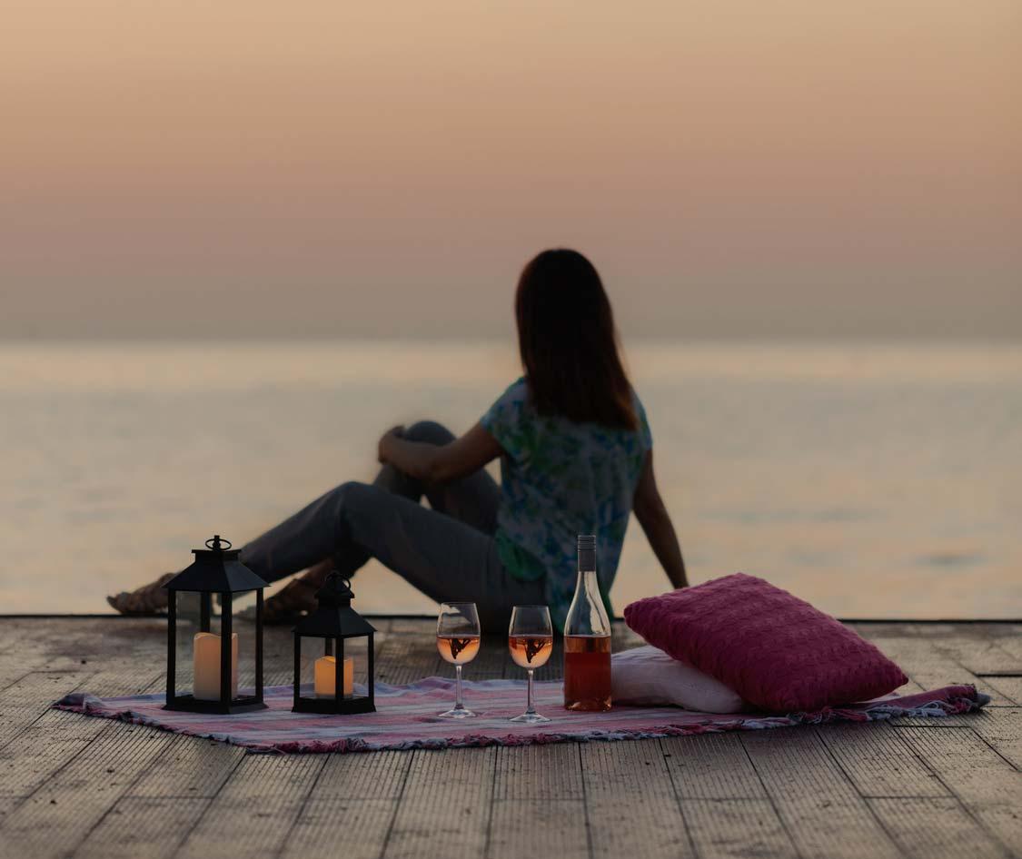 coucher-de-soleil-plage-femme